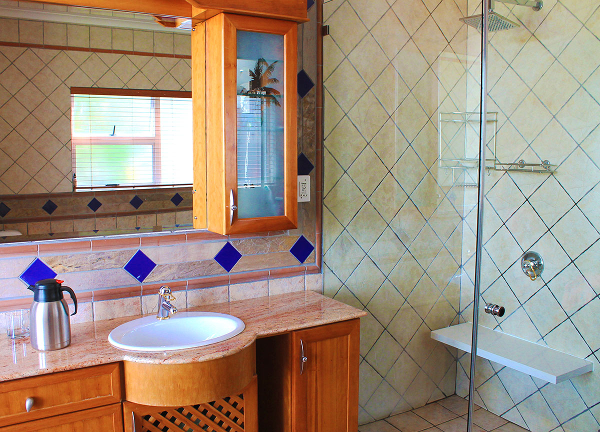 Mount Pellan_Bathroom-Suite-2